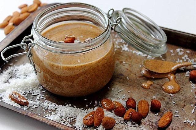 Heavenly Chocolate Hazelnut Almond Spread