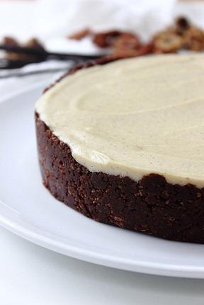 Raw Vanilla White Chocolate Cheesecake (2)