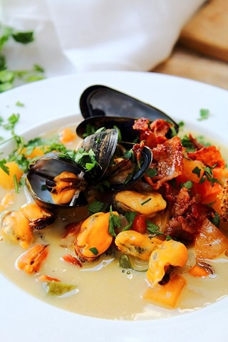 Golden Mussel Chowder Recipes — Dishmaps